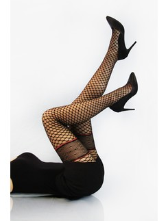 Cecilia de Rafael Celine 40den patterned tights strapless look